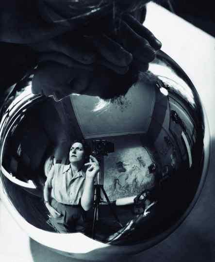 Autorretrato, 1947 Annemarie Heinrich, Argentina
