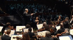 Khatia Buniatishvili, pianist - Tchaikovsky, Piano Concerto - Zubin Mehta Israel Israel Philharmonic Orchestra 1