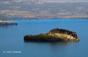 d.Lago di Bolsena, isola Martana