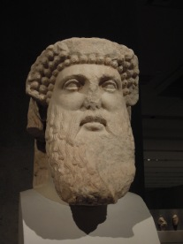 Imagen-17-Acrópolis-scultura-greca-dioniso-atene-grecia