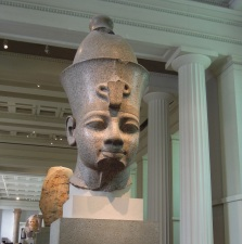 Estatua del Faraon Amenofis III (o Amenophis III).