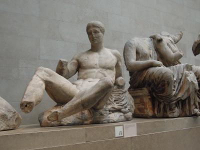 Escultura del Frontón del Partenón de Atenas - Dios Dioniso hijos de Zeus.