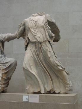 Escultura del Frontón del Partenón de Atenas - Hebe hija de Zeus y Hera.