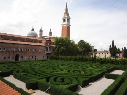 02 El-Laberinto-del-Hombre-de-Borges-a-Fulcanelli-Labirinto-nell_isola-di-San-Giorgio-a-Venezia